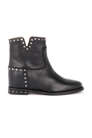 Ankle boot with studs
