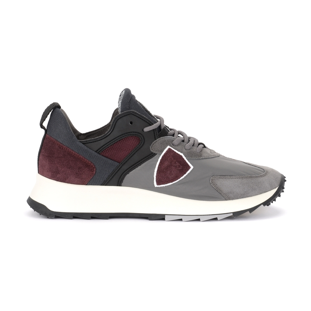 Grey Tropez X sneaker in suede and gray and red fabric