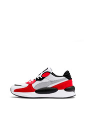 RS 9.8 Space Trainers 370230 01