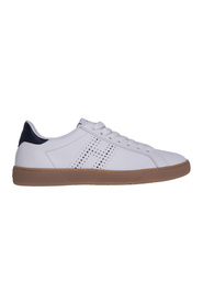 Leather sneaker with perforated 'h'