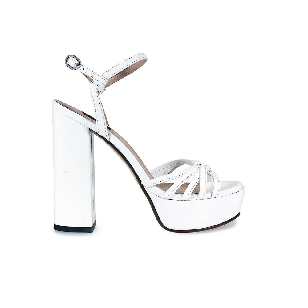 CHAMPAGNE 1PATENT LEATHER SANDAL