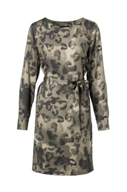 Belted dress with leopard print