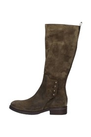 0018 Boots Under the knee