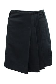 Skirt with Pleats on Side