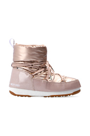 Low snow boots