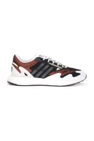 Sneaker Rhisu Run in mesh nero con dettagli bianchi e rossi