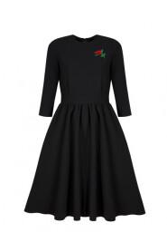 Sukienka rozkloszowana z różą czarna