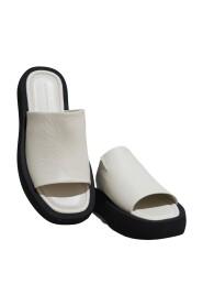 Siri Sandals