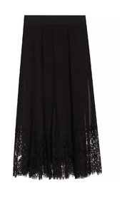 Pleated skirt with lace trim