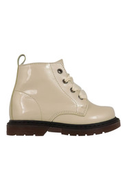 Boots 1681