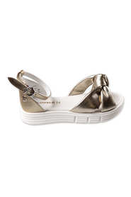 leather sandals with decorative knot