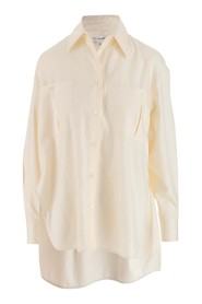Silk shirt featuring a classic collar
