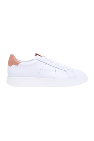 Wide leather sneaker with contrasting heel