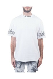 T-shirt con stampa fiamme nere