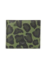 Animal-motif wallet