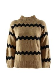 zig zag patterned pullover