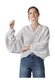 BLOUSE WITH LACE