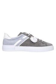 Sneakers H526