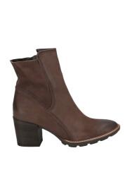 Kort støvle med hæl