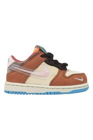 Dunk Low Social Status Free Lunch (TD) Sneakers