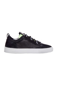 Total leather sneaker