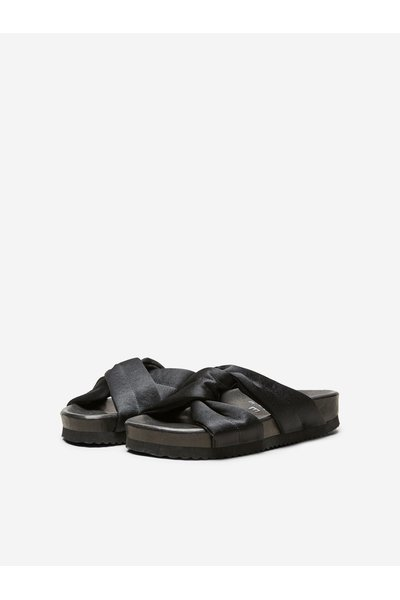 91960a8a4d9fa6 Black Slippers Zwembad | Selected Femme | Slippers | Miinto.nl