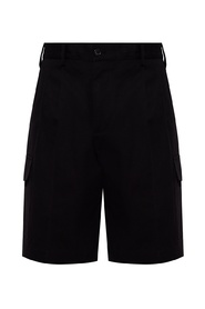 Shorts with several pockets