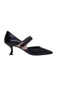 Heels'