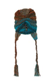 Woven hat with fringes