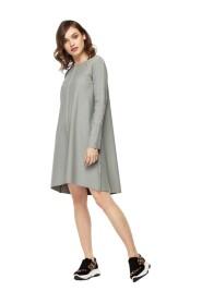 Sukienka dzianinowa z ozdobnymi szwami